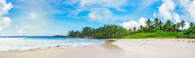 在警察海湾的美丽的天堂海滩,塞舌尔群岛43 免版税库存图片