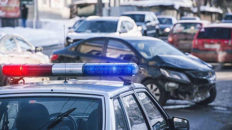 在警车的屋顶的警报器 库存照片