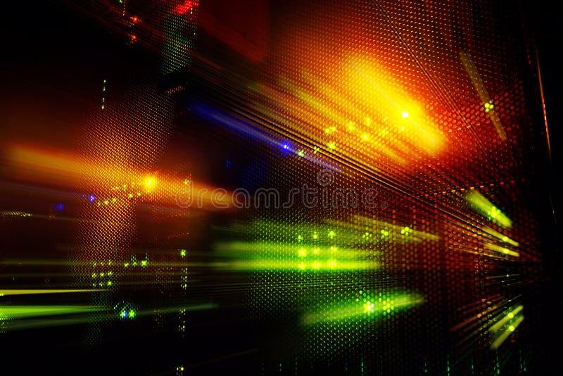 在计算机主机数据中心的轻的显示在黑暗 免版税图库摄影