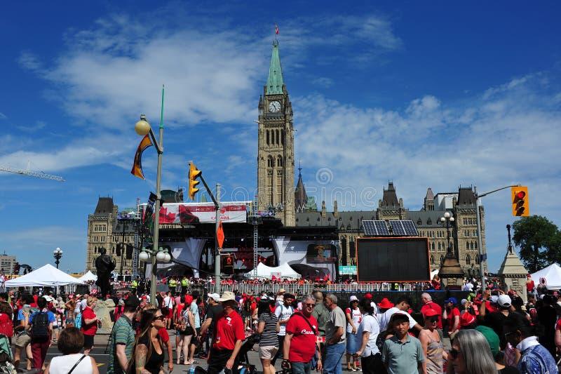 在议会小山的加拿大日 免版税图库摄影