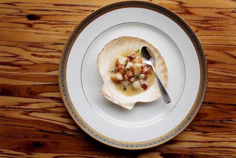在调味汁的蛤蜊 免版税库存图片