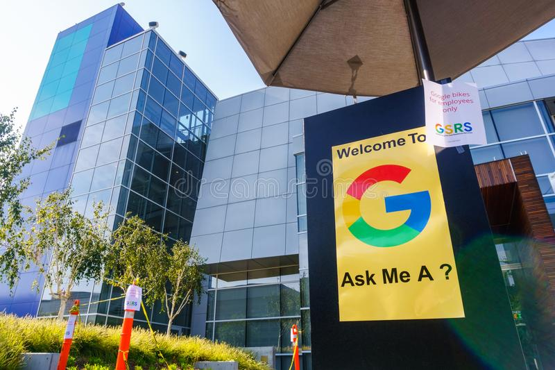 在谷歌` s主要的现代大厦总部设 库存照片