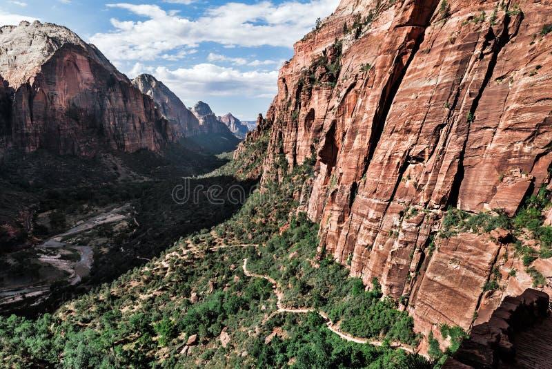 在谷的山风景在锡安,美国 免版税库存图片