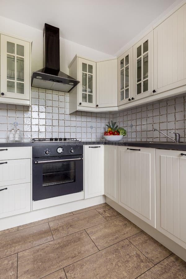在象这样的厨房里烹调是乐趣 免版税库存图片