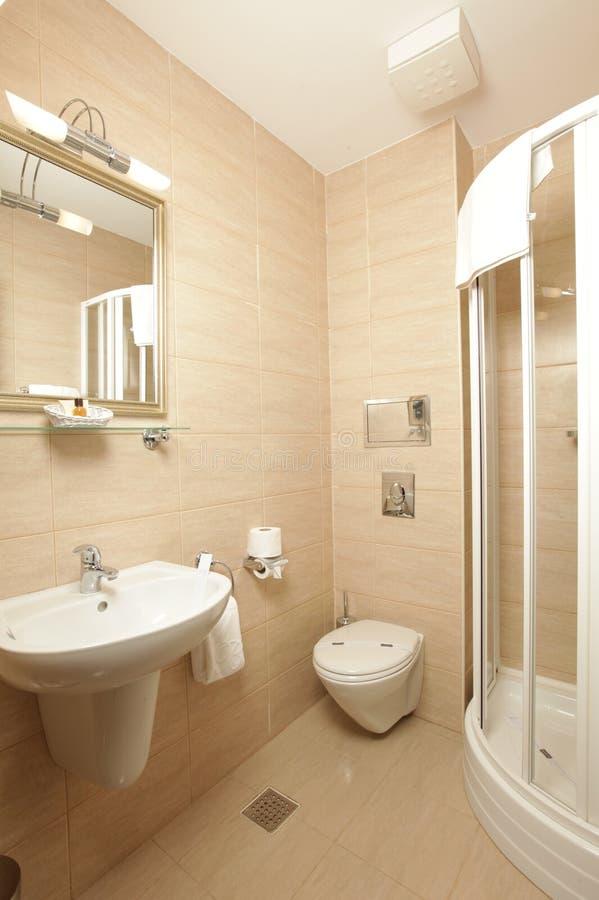 在豪华里面的卫生间旅馆 库存图片