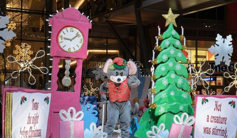 在贝尔维圣诞节游行的老鼠 免版税库存照片
