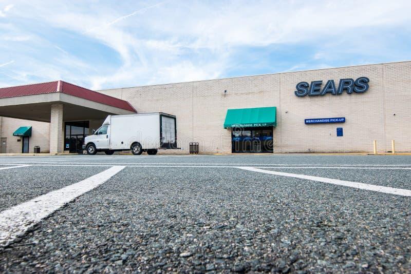在购物中心的破产者Sears零售店 库存图片