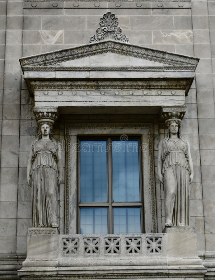 在费尔德自然史博物馆的女象柱 免版税图库摄影