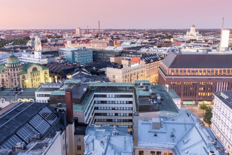在赫尔辛基屋顶的黄昏 免版税库存照片