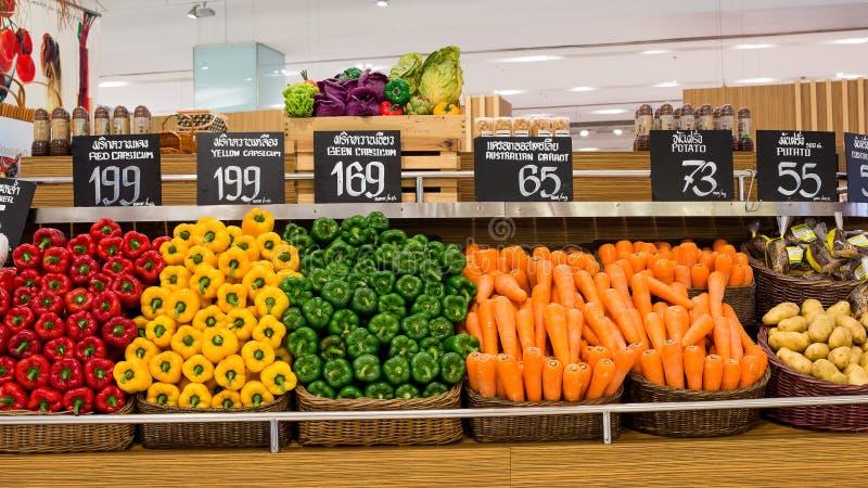 在超级市场泰国模范的菜在曼谷,泰国。 免版税库存照片