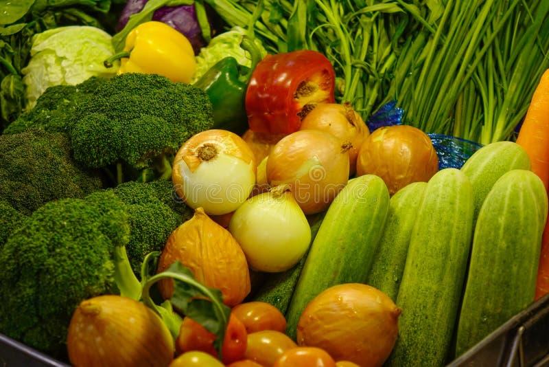 在超级市场的新鲜蔬菜 免版税库存照片