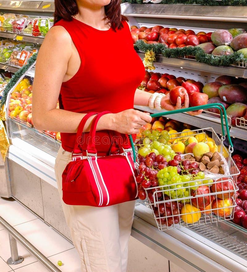 在超级市场的果子 免版税库存图片
