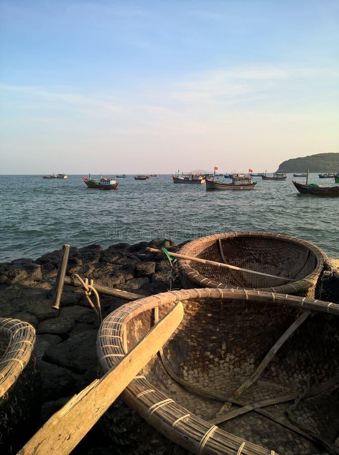 在越南海滩的日落 免版税库存图片