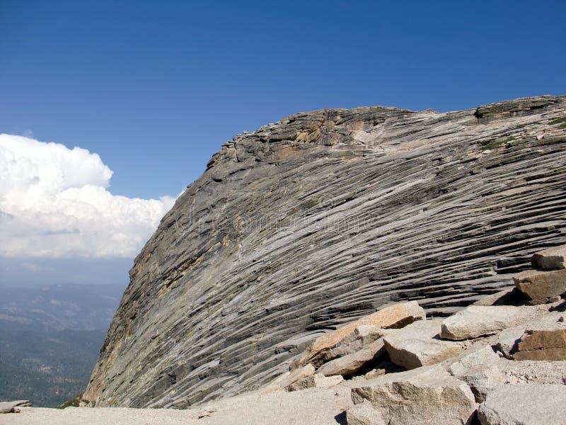 在足迹的岩层对Shuteye监视1 库存图片