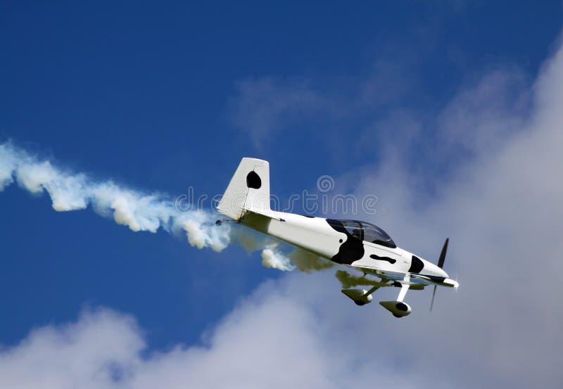 在跑道停放的爱尔兰飞机 免版税图库摄影