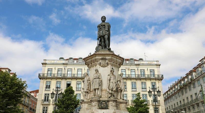 在路易・德贾梅士雕象的看法正方形的在里斯本市,葡萄牙 免版税库存图片