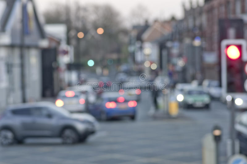 在路的摘要迷离有汽车的在曼彻斯特英国英国 免版税库存照片