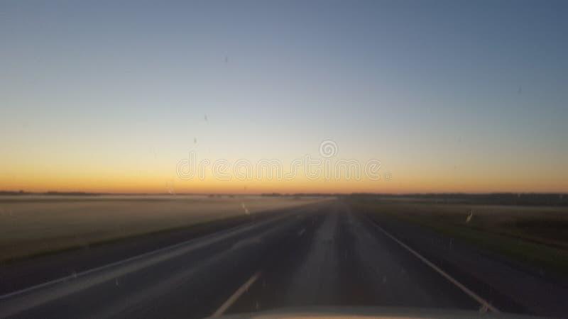在路的早晨 免版税库存照片
