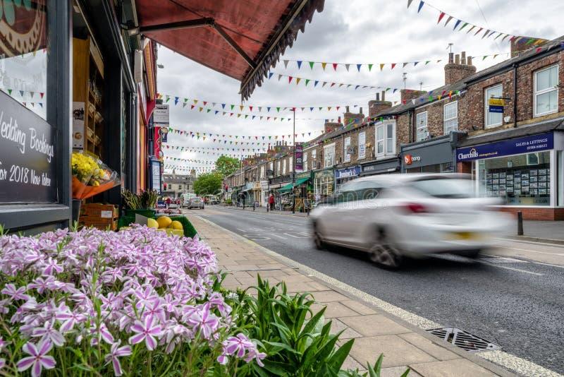 在路的汽车在城市约克,英国 免版税库存照片