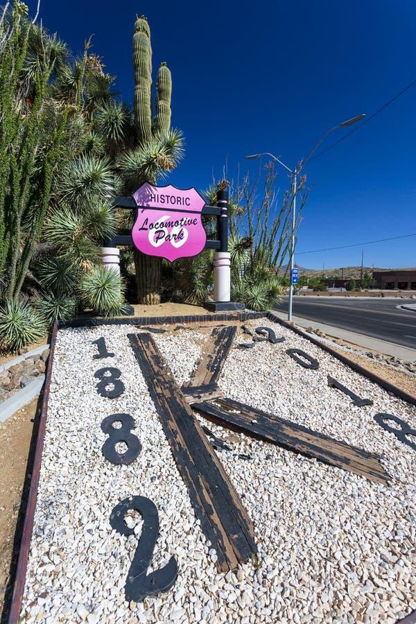 在路线66,金曼,亚利桑那,美国,北美洲的历史的活动公园标志 免版税库存照片