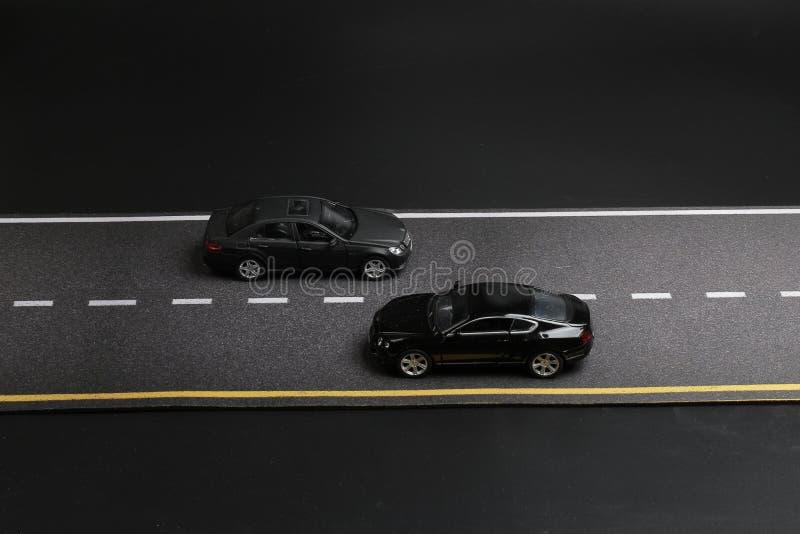 Download 在路隔绝的汽车玩具研了 库存图片. 图片 包括有 孩子, 速度, 快速, 曲线, 蓝色, 投反对票, 汽车 - 108712493