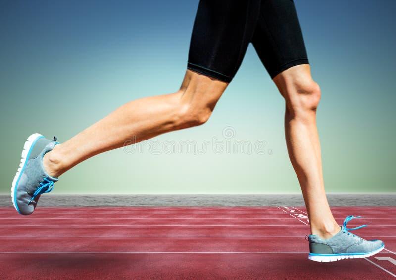 在轨道的赛跑者腿反对蓝绿色背景 向量例证