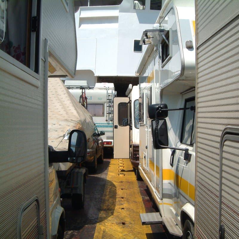 在轮渡的有蓬卡车 免版税图库摄影