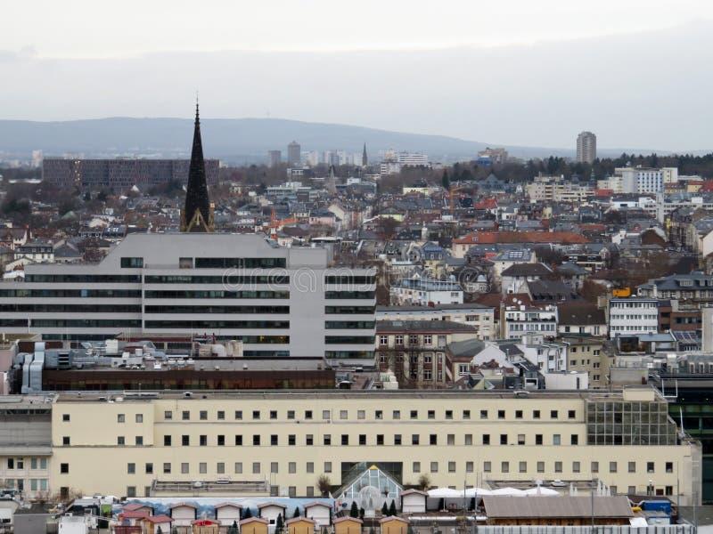 在轰烈的大厦的更加接近的看法在法兰克福 免版税库存照片