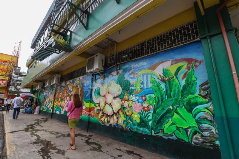 在边路街市Iriga市的壁画 库存图片