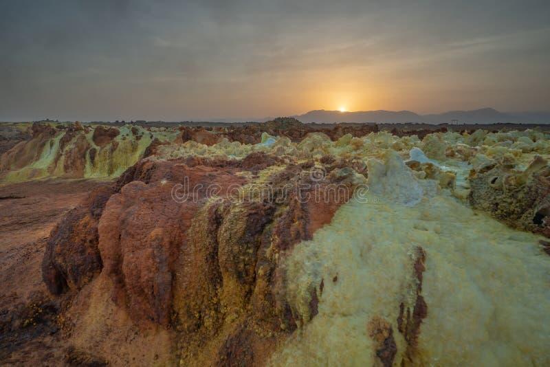 在达罗尔Danakil点心的,埃塞俄比亚的日落 其中一个行星的最热的地方 库存图片