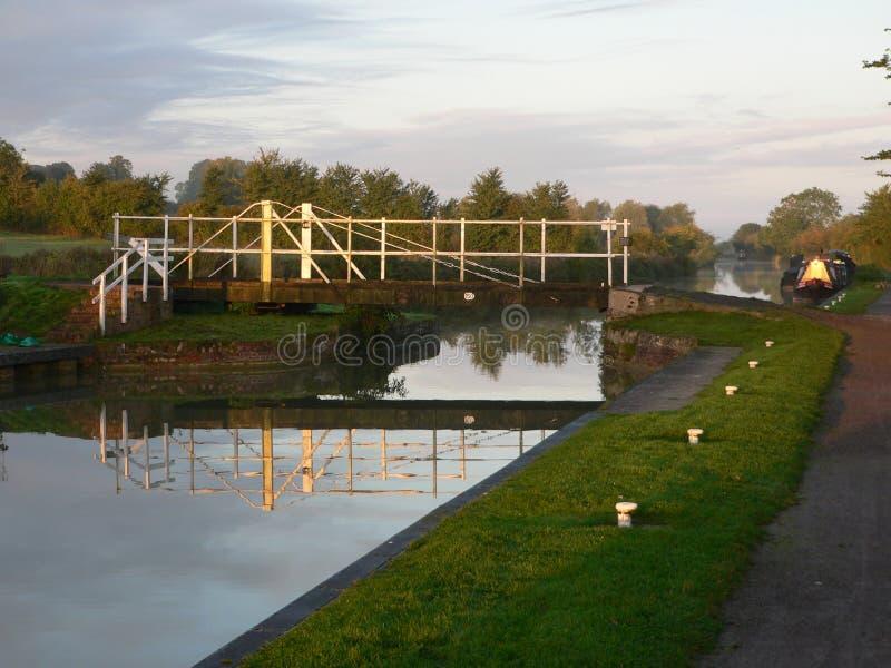 在运河的平旋桥 库存照片