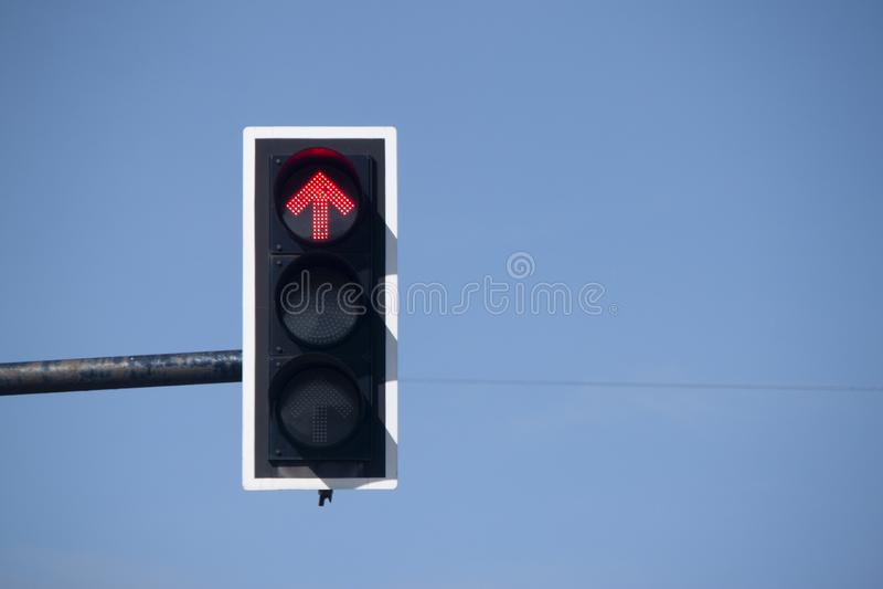 在连接点的光量控制在天空下 免版税库存图片