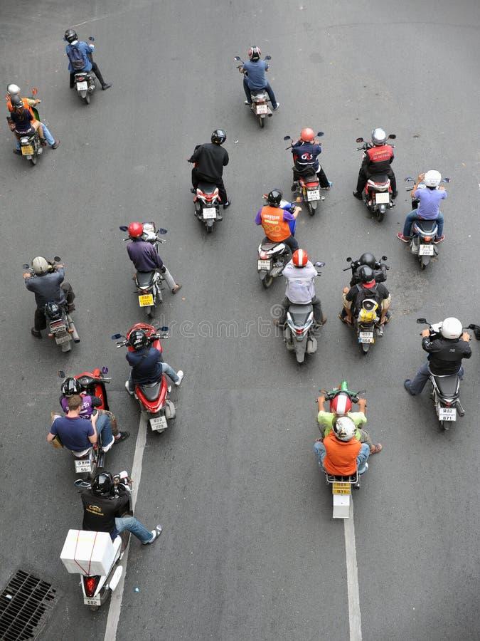 在连接点的摩托车骑士等待 图库摄影
