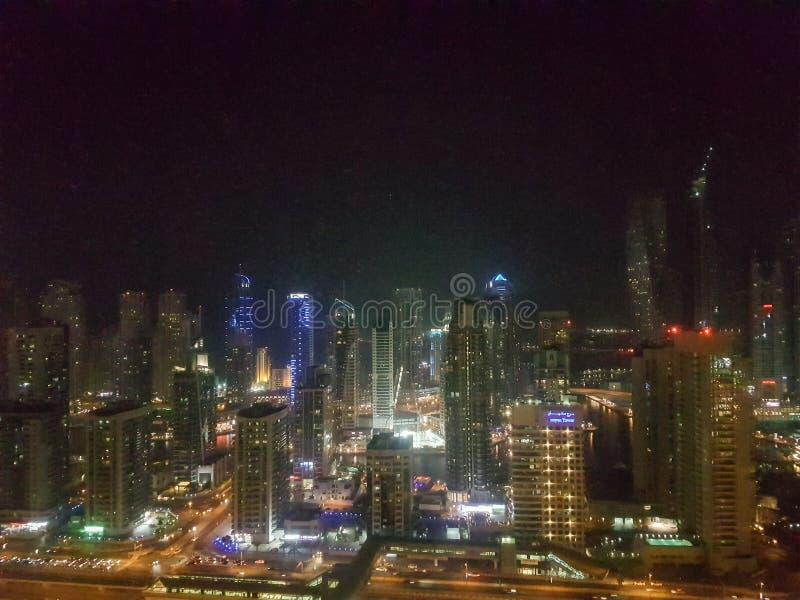 在迪拜小游艇船坞的夜在阿拉伯联合酋长国 库存照片