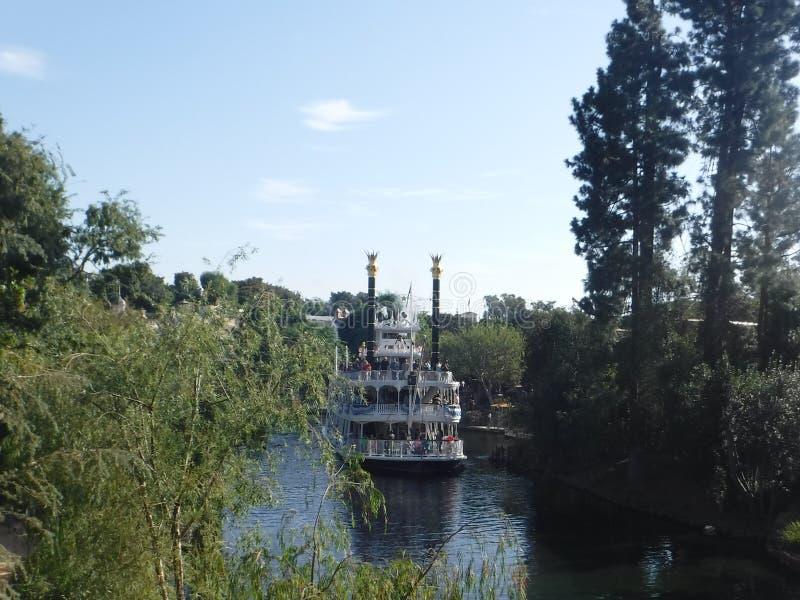 在迪斯尼乐园的河船 库存照片