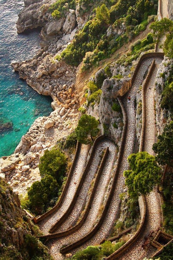 在通过克虏伯的美好的秋天天,卡普里岛海岛,意大利 库存照片