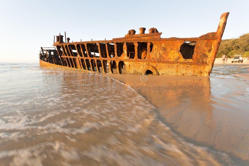 在遥远的澳大利亚海滩的日出 免版税库存图片