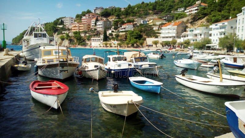 在避风港的小船 免版税库存图片