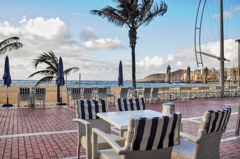 在都市海滩的段落拉斯帕尔马斯 Las Canteras 空的ta 免版税图库摄影
