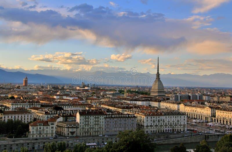 在都灵市中心的日落与痣Antonelliana,都灵,意大利,欧洲 库存照片