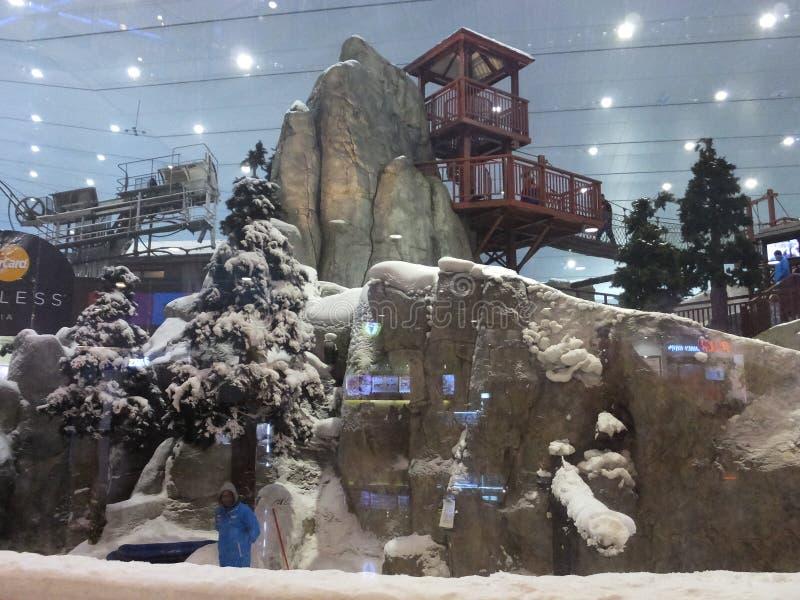 在酋长管辖区的购物中心的滑雪迪拜在迪拜,阿拉伯联合酋长国 免版税库存照片