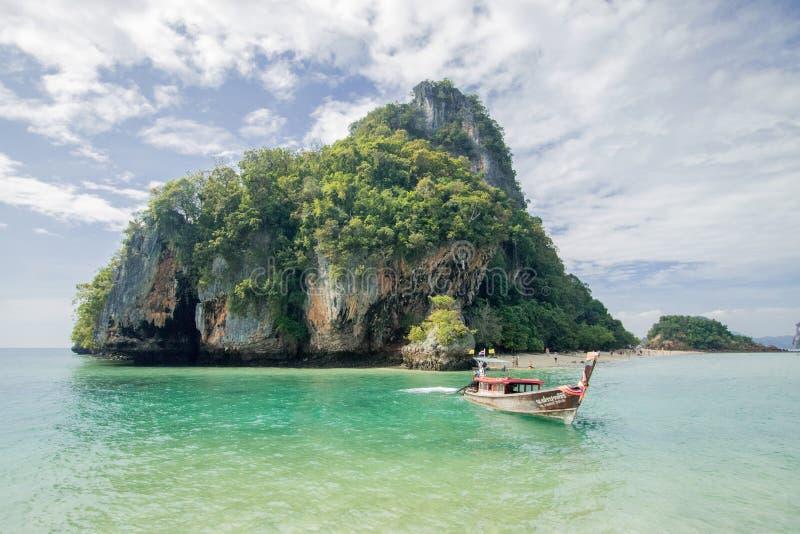 在酸值洪洪海岛Krabi,泰国附近的朴Bia海岛 库存图片