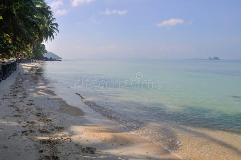 在酸值苏梅岛海岛,泰国上的美丽的海滩 免版税图库摄影