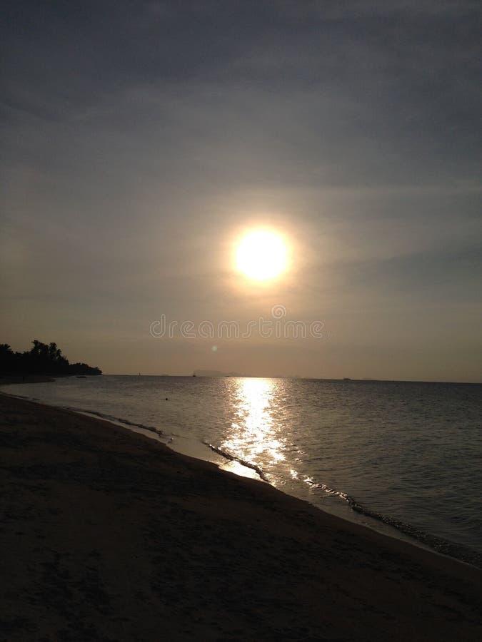 在酸值苏梅岛的泰国海滩在晚上 免版税库存照片