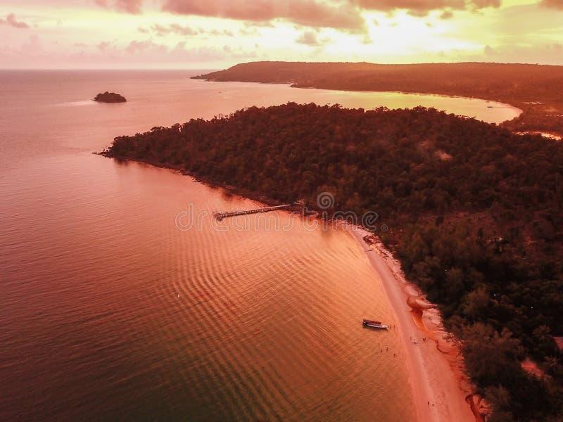 在酸值荣,柬埔寨的日落海滩 库存照片