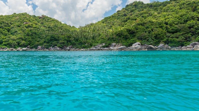 在酸值陶和酸值nang海岛上的热带天堂元在泰国,海风景照片 库存图片
