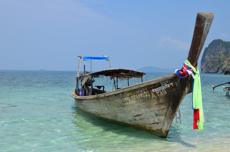 在酸值Tup,泰国附近的小船 库存图片