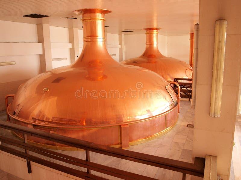 在酿酒厂的麦芽制造厂 免版税库存图片