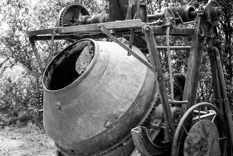 在采矿业的废弃和被放弃的机械 库存图片