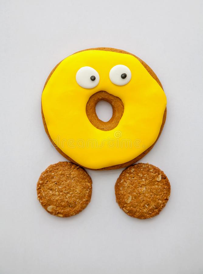 在釉的曲奇饼和谷物两个曲奇饼  免版税库存照片